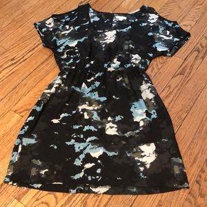 Cold shoulder patterned dress
